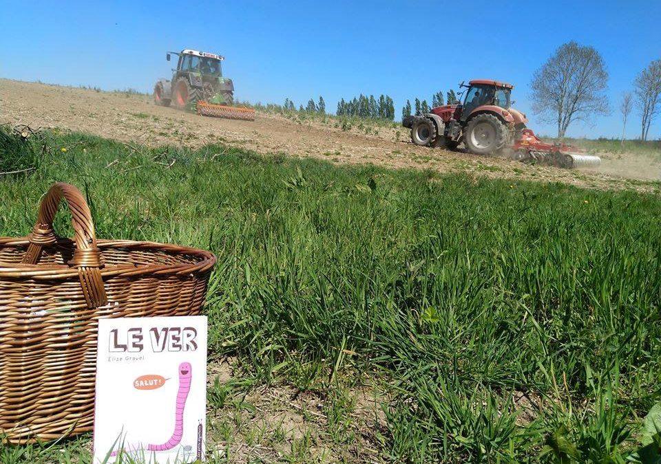 La ferme à histoires est au champ : présentation du ver de terre